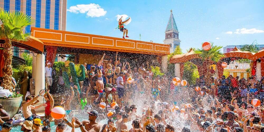 Pool Party Wet Republic no MGM Grand