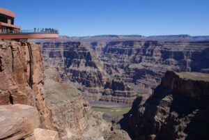 Skywalk: A Ponte de Vidro do Grand Canyon 1