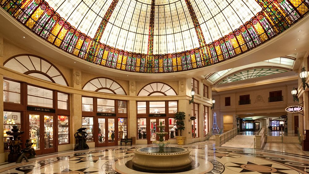 shopping hotel paris las vegas